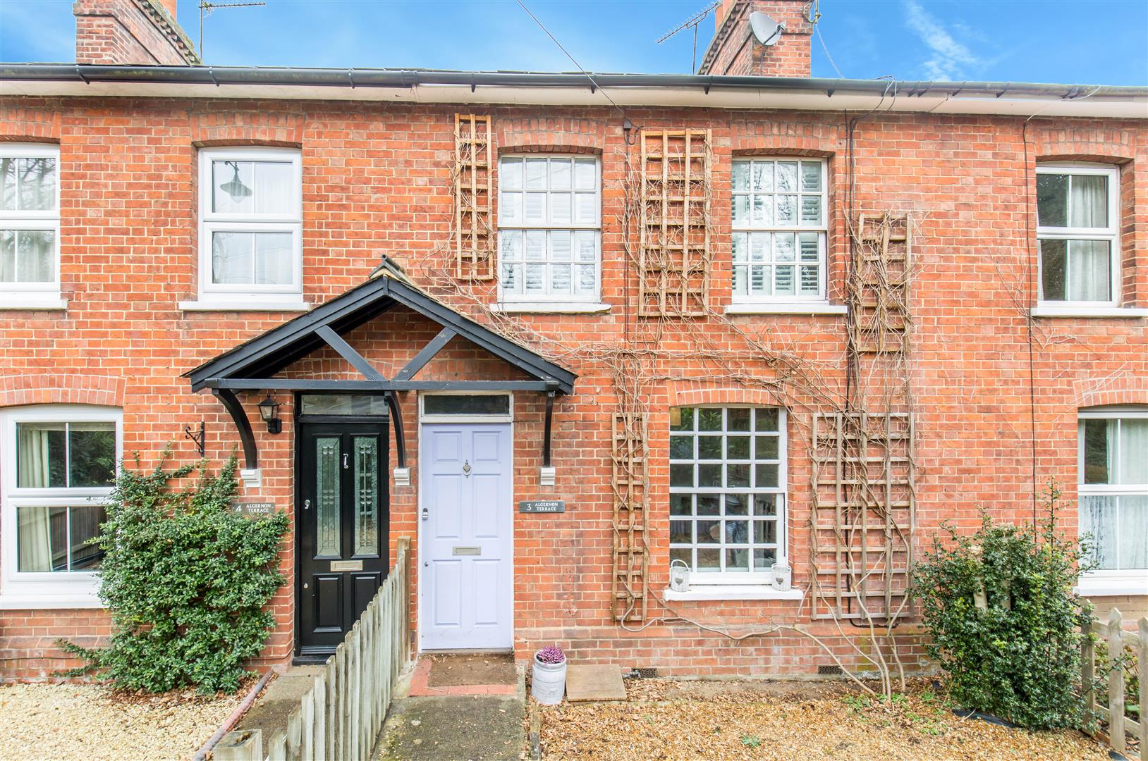 2 Bedrooms Terraced House for sale in High Street, Brasted